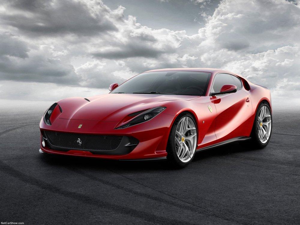 Ferrari-812_Superfast-2018-1600-01.jpeg