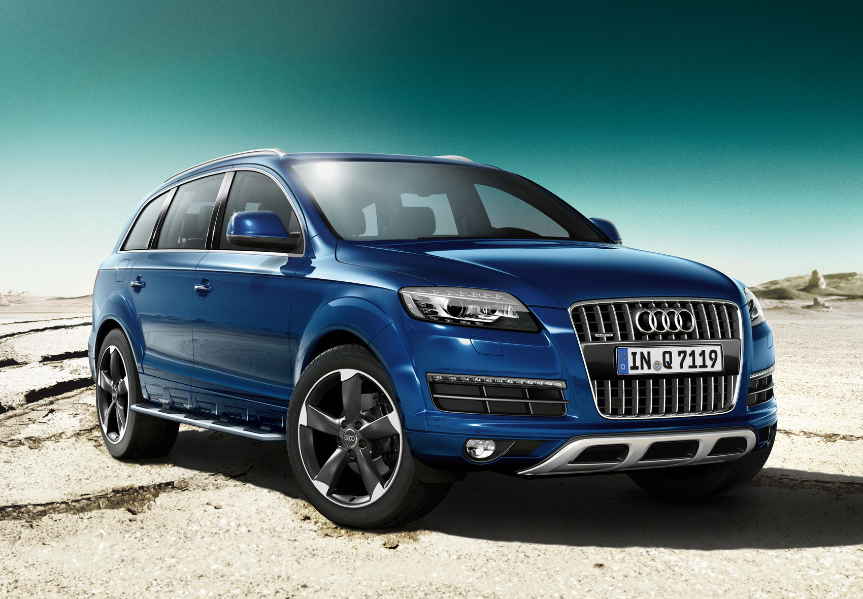 audi q7 s line gets new sport and style editions tyresmoke. Black Bedroom Furniture Sets. Home Design Ideas